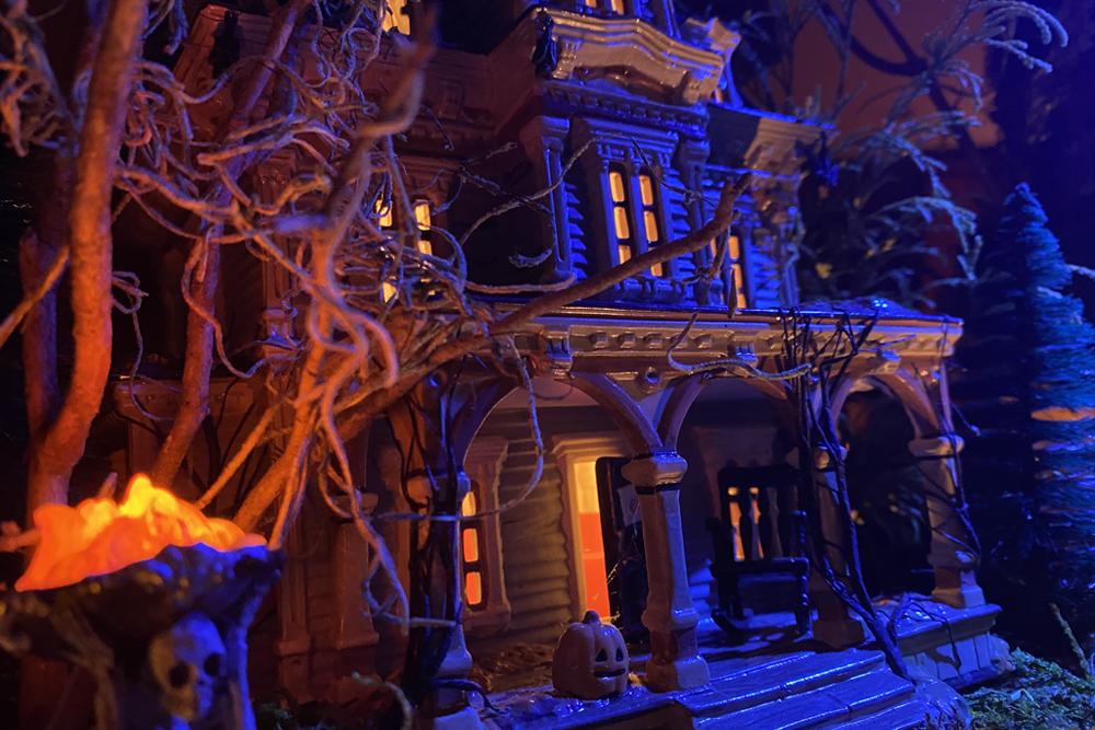 Thomas Sweet Chocolate's Halloween Village